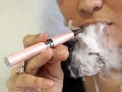 """Los médicos pro-vapeo lamentan el """"alarmismo infundado"""" de Sanidad al desaconsejar el cigarrillo electrónico"""