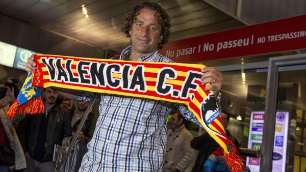Juan Antonio Pizzi llega a Valencia