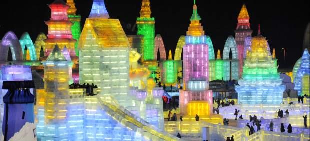 La ciudad de hielo se ilumina