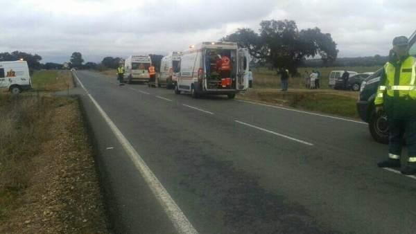 Los servicios de emergencia, en el lugar del accidente