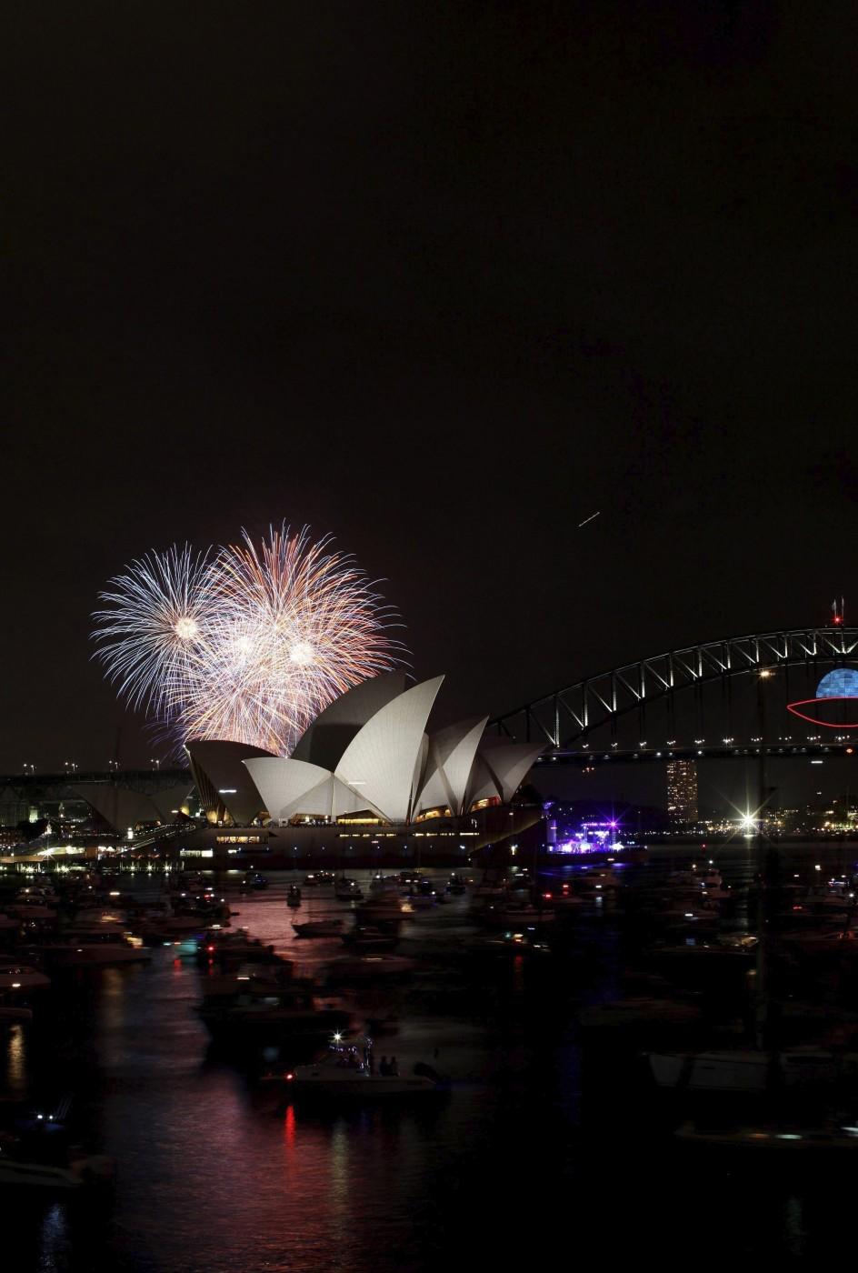 %name صور احتفالات مدن العالم بالعام الميلادي الجديد 2014 صور العاب نارية من حول العالم