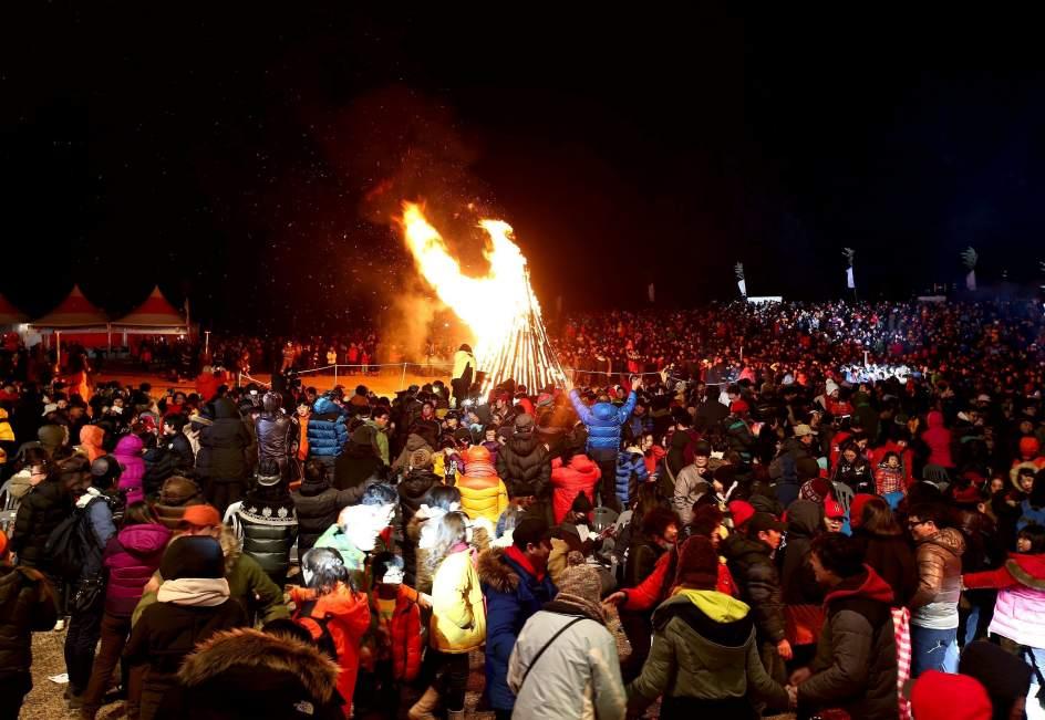 153142 944 651 صور احتفالات مدن العالم بالعام الميلادي الجديد 2014 صور العاب نارية من حول العالم