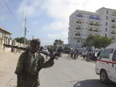 Al menos 13 muertos en un doble atentado de Al Shabab en Mogadiscio