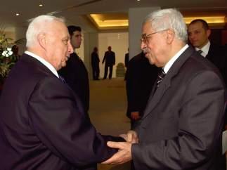 Sharon y Mahmoud Abbas