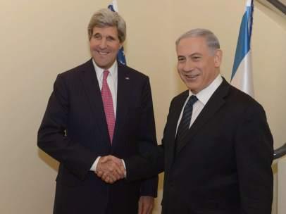 John Kerry y Benjamin Netanyahu