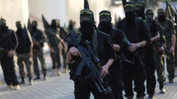 """Estado Islámico obliga a los civiles a dejarse barba: """"Es un deber, está prohibido afeitarla"""""""