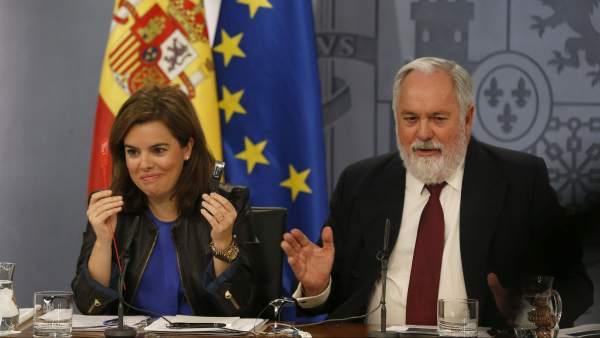 Arias Cañete, Sáenz de Santamaría y las bridas del jamón