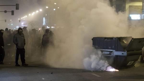 Segunda noche de disturbios en el barrio de Gamonal en Burgos: 23 detenidos y 12 heridos