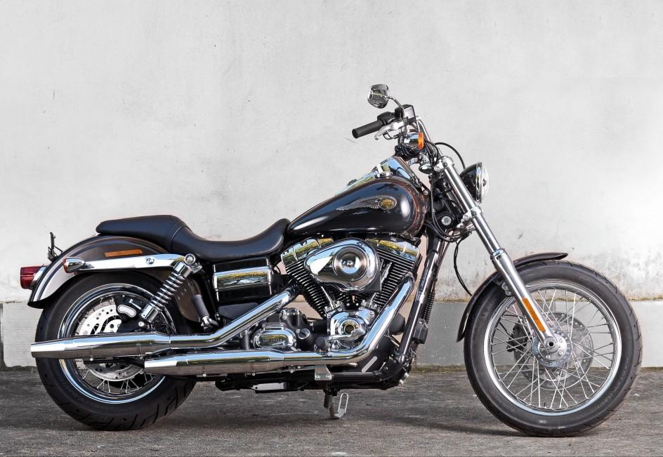 El papa subasta su Harley
