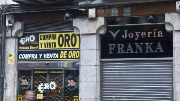 42f46c6ea289 El 90% de los establecimientos de compro-oro de Madrid no informan del  precio por gramo