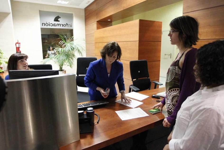 Los bancos reducen sus redes de sucursales en espa a hasta for Sucursales banco espana