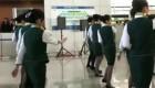 El 'flashmob' de 65 azafatos chinos