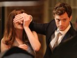 Dakota Johnson y Jamie Dornan en Cincuenta sombras de Grey