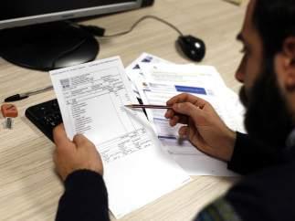 Revisando facturas
