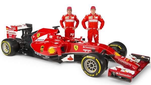 Fernando Alonso y Kimi Raikkonen, con el nuevo F14 T