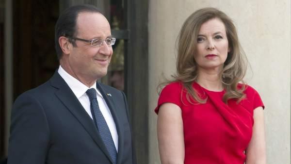 Hollande se separa de Trierweiler