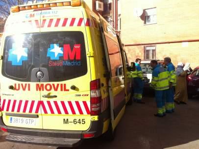 La ambulancia del Summa, junto al lugar del accidente