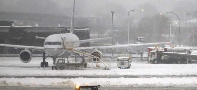 Vuelos cancelados en EE UU por las nevadas