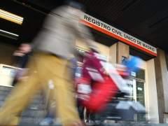 Un registro civil deja sin nacionalidad hasta 2021 a un beb� nacido en Catalu�a