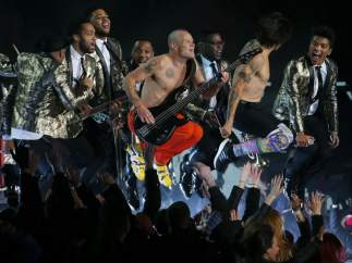 Red Hot Chili Peppers y Bruno Mars en la Superbowl.
