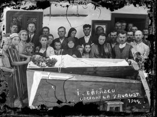 Funeral wake, I. Bărăscu deceased at 7th of August 1944 (ca_20140112_016)