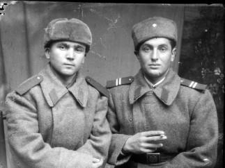 Romanian soldier and corporal, uniform M1948 (ca_20140203_018)