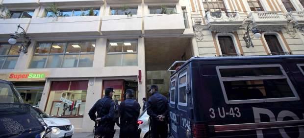 La Policía registra una oficina de compraventa de oro