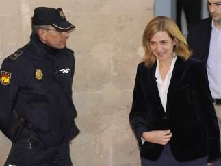 El fiscal pide 19,5 años de cárcel para Urdangarín y exculpa  la infanta
