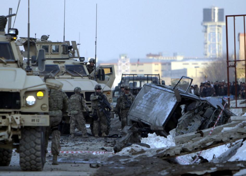 Atentado suicida contra la OTAN