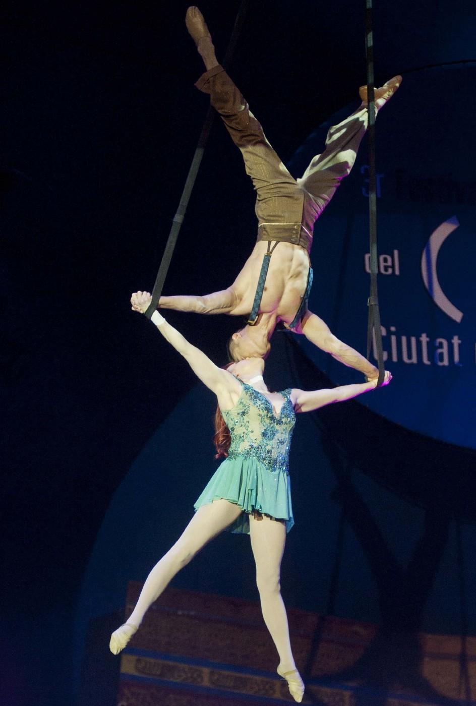 Resultado de imagen para parejas de circo