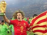 Puyol con la Copa del Mundo