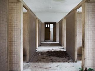 Anciennes salles de bain, hôpital de Picauville (Manche), 2010