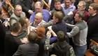 Ver v�deo La tensi�n en Ucrania llega al Parlamento