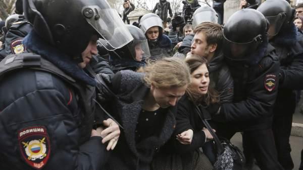 Detienen a las Pussy Riot en una protesta en Moscú