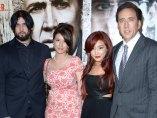 Weston Cage, Danielle Cage, Alice Kim y Nicolas Cage
