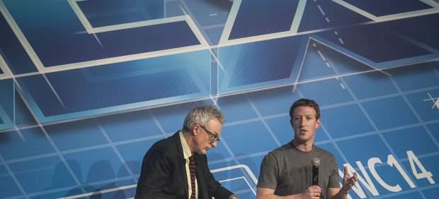 """Mark Zuckerberg asegura que WhatsApp vale """"mucho más"""" que lo que ha pagado Facebook"""