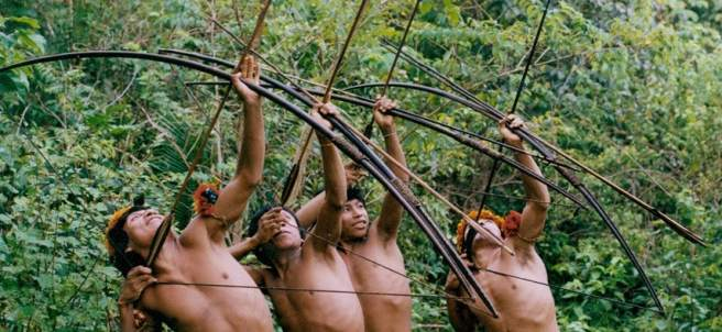 Guerreros Awá, cazando.