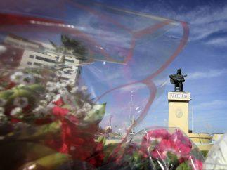 Estatua de Paco de Lucía en Algeciras