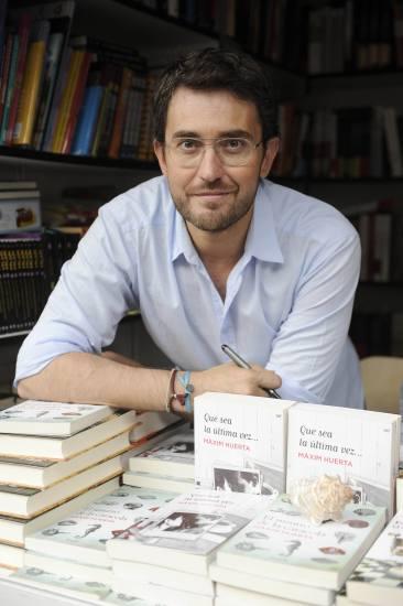 El periodista maxim huerta premio primavera de novela por for Maxim huerta libros