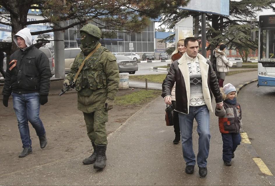 Bloquean el aeropuerto de Sebastopol