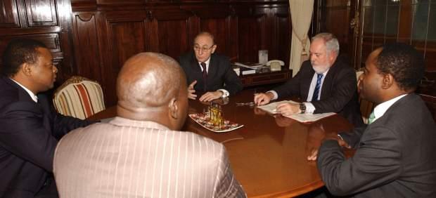 El embajador en el Congo y Arias Ca�ete