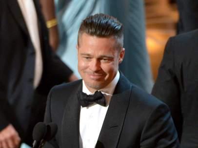 Brad Pitt gana un Oscar por 12 años de esclavitud