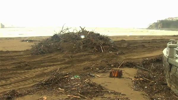 La playa de Getxo, arrasada