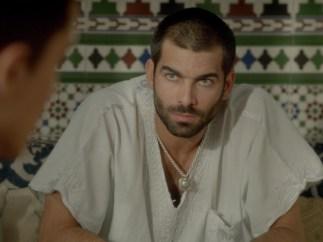 Faruq Ben Barek (Rubén Cortada) en la serie 'El Príncipe'