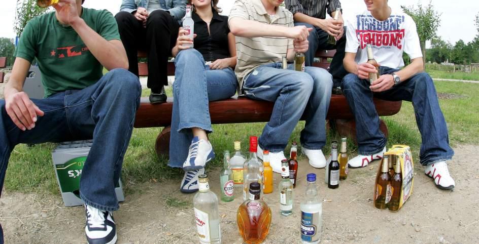 El pinchazo del alcoholismo para un mes