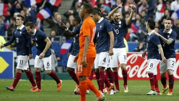 Chile cae pero enseña sus armas ante Alemania y derrota clara de Holanda en Francia