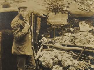 Un soldado en las trincheras