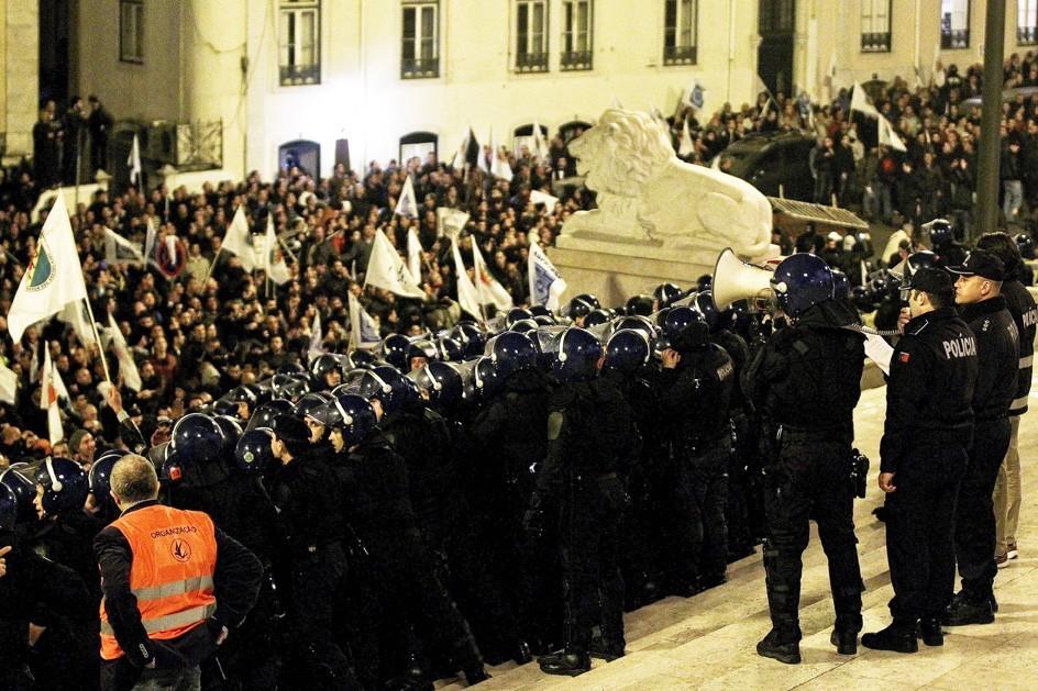 Los policías portugueses piden mejoras de salario
