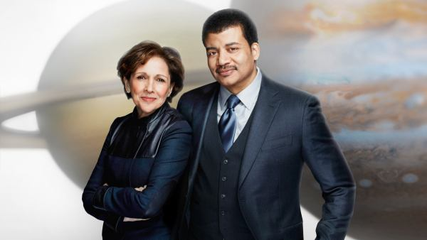 Ann Druyan y Neil de Grasse Tyson