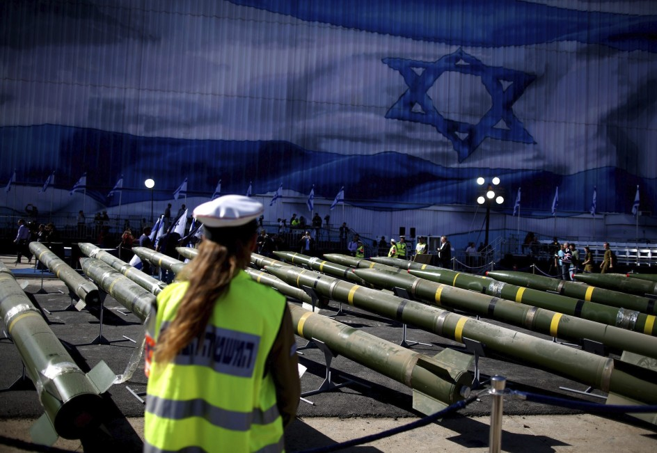Israel intercepta un barco que trasportaba cohetes
